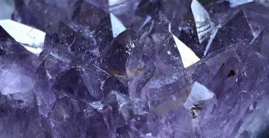Cristal de cuarzo azulado