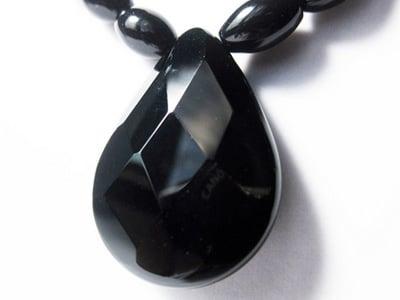 Propiedades del cristal de onix negro